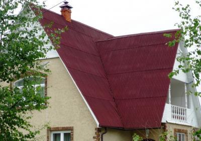 Монтаж кровли из еврошифера (ондулина) в Московской области